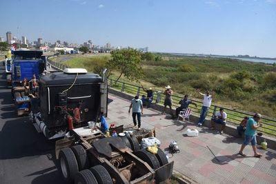 ANR se solidariza con productores afectados por el paro de camioneros
