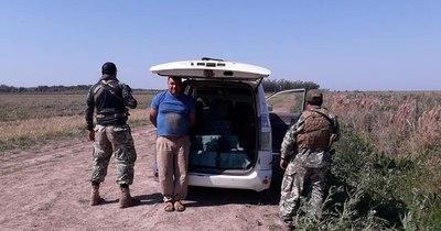 La Nación / Senad interceptó avioneta en plena descarga de cargamento de cocaína