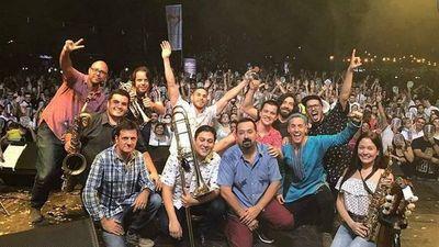 Asunción se viste de fiesta para celebrar su aniversario