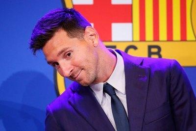 Luego de despedirse del Barcelona, Messi se hace esperar en París