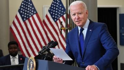 El Senado de EEUU aprobó el billonario plan de inversión en infraestructura de Joe Biden