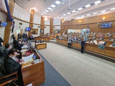 Cámara de Diputados aprueba modificación a favor del aumento a docentes y personal de salud
