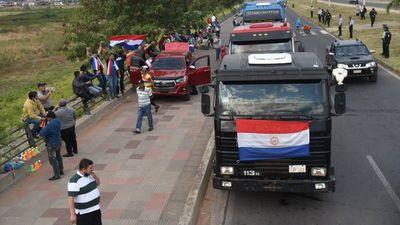 Camioneros seguirán movilizados en busca de ley de flete