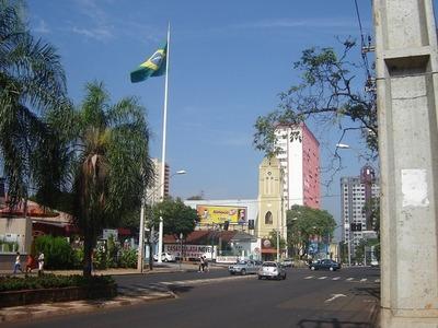 Comerciantes de Foz de Yguazú ven como competencia desleal a las tiendas francas
