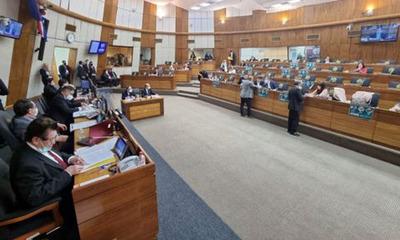 Diputados aprueban modificación a favor del aumento a docentes y enfermeros