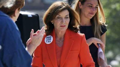 Quién es Kathy Hochul, la primera mujer que gobernará Nueva York tras la renuncia de Andrew Cuomo