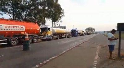 Apesa denuncia desabastecimiento de combustibles por retención de cisternas