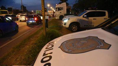 Apesa denuncia que 400 camiones cisterna están parados y pide garantías