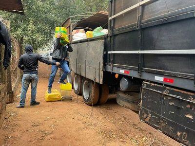 Incautan en Brasil más de cinco toneladas de marihuana y detienen a cinco personas, entre ellas un paraguayo