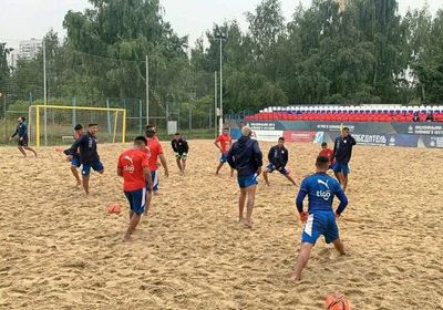 Fútbol playa: Los Pynandi ya entrenan en Moscú