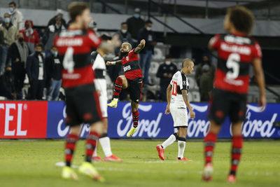 Flamengo destroza a un pésimo Olimpia en el «primer round»