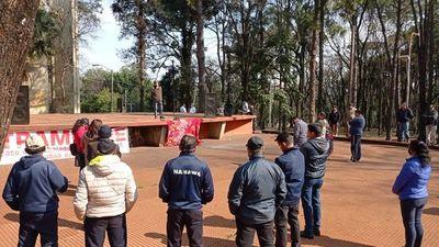 CDE: Funcionarios de Comuna se movilizan contra despidos