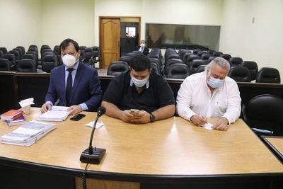 Condenan a Óscar González Daher e hijo a 7 y 8 años de cárcel