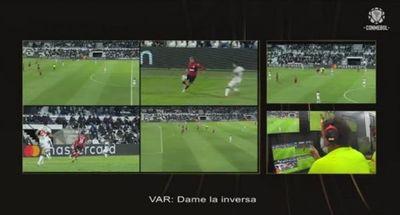 El audio del VAR de las jugadas polémicas de Olimpia-Flamengo
