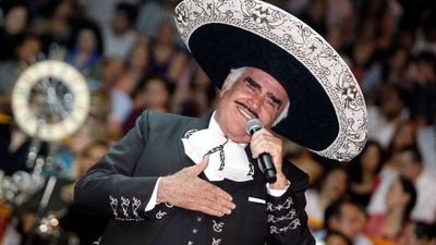 Critica situación: Vicente Fernández se encuentra sedado y con inflamación en la médula