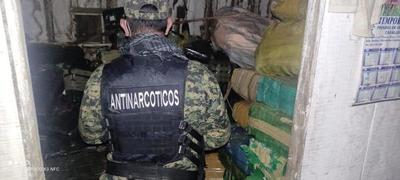 Allanaron vivienda con cerca de 6.000 kg de supuesta marihuana en Coronel Bogado