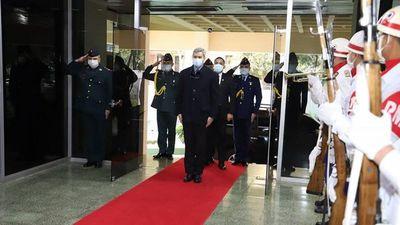 Marito se reunió con la  cúpula militar y se avizoran  cambios