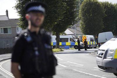 Reino Unido: un joven mata a tiros a cinco personas en las calles de un pueblo inglés