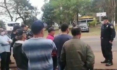 """Comisario """"liberó"""" a choferes retenidos supuestamente por camioneros"""