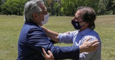 La Nación / Fernández recibe a Lacalle Pou con telón de fondo de tensión en Mercosur