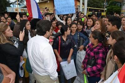 Junta Departamental de Misiones da su apoyo a estudiantes de la UNASUR