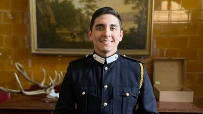 Cadete paraguayo galardonado en la Academia Militar de Reino Unido
