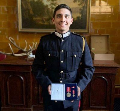 Cadete paraguayo fue galardonado en la Real Academia Militar del Reino Unido