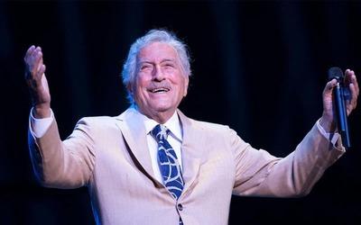 El cantante Tony Bennett se retira de los escenarios a los 95 años