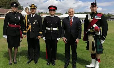 Cadete paraguayo fue galardonado en academia militar del Reino Unido