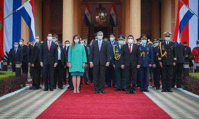 Homenaje por aniversario de Asunción en Palacio de Gobierno