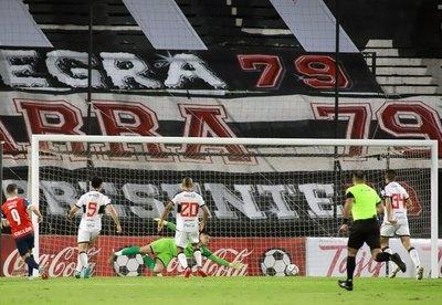 El departamento de fútbol de Olimpia también renunció luego de la goleada en el clásico