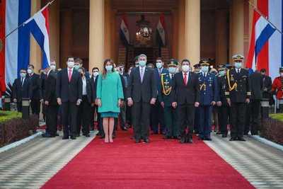 En pandemia y con crisis económica, el presidente celebra fundación de Asunción y 3 años de gobierno