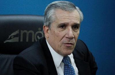 """""""La critica fuerte a Mario Abdo Benítez es su modelo de gestión"""", asegura Galeano Perrone"""