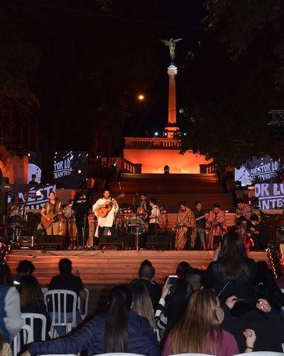 Serenata a Asunción con una fiesta híbrida