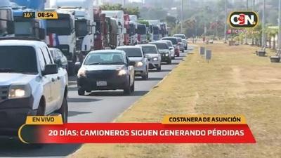 Costanera de Asunción: Media calzada ocupada hace veinte días por camineros