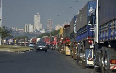 Paro de camioneros ya genera desabastecimiento y sobrecostos para la construcción, según Capaco