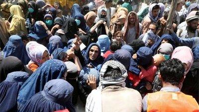 Aumenta el terror a los talibanes entre las mujeres de Afganistán: «Para ellos las mujeres no deberían educarse»
