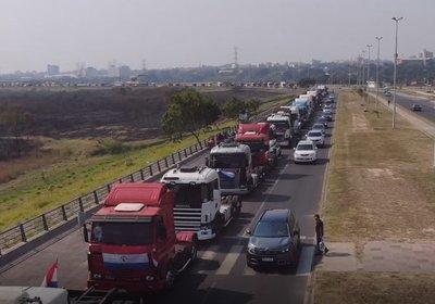Bloqueo de rutas en Mingua Guazu, Caaguazú, Villarrica, Naranjal, Santa Rita y Capitán Miranda