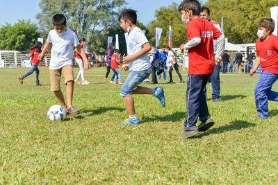 Celebración del día del niño en Caazapá