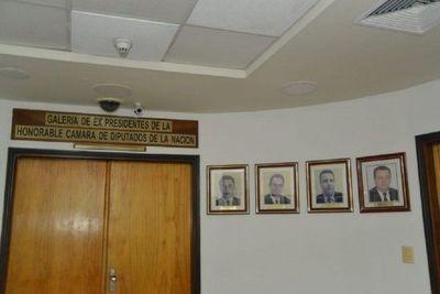 Diputados quieren sacar fotos de González Daher del Congreso y JEM