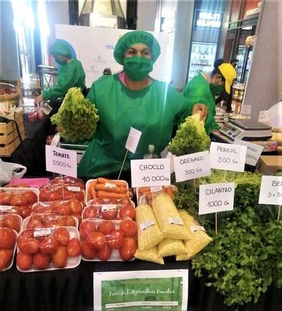 Productores harán todos los martes feria agropecuaria en el Shopping Multiplaza