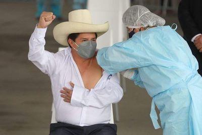 """Perú organiza su quinta """"vacunatón"""" para inmunizar a 600.000 personas"""