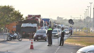 Dinatrán insta a camioneros trabajar en comité y levantar el paro