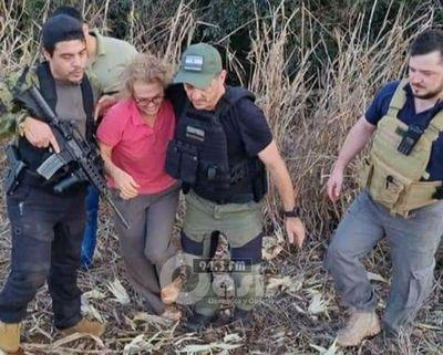 Policía encuentra armas en busca de supuestos sicarios