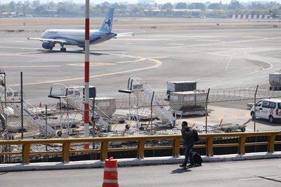 México dice que es viable la operación simultánea de tres aeropuertos