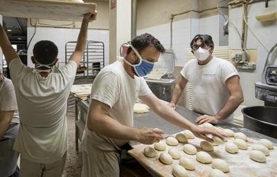Sinafocal imparte curso de panadería y confitería a ciudadanos de Lambaré