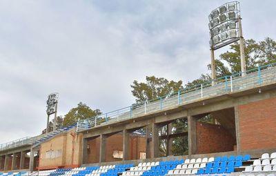 Fondos para reactivación económica se usaron para lumínica de Guaireña Fc y un gimnasio