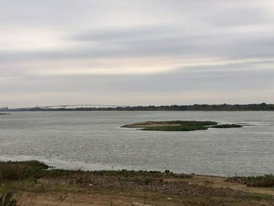 """Río Paraguay sigue bajando y está a milímetros del """"nivel cero"""" en Asunción"""