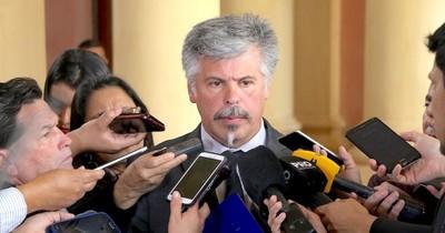 La Nación / Rechazan persecución a Giuzzio y le recuerdan que fue expulsado de la ANR
