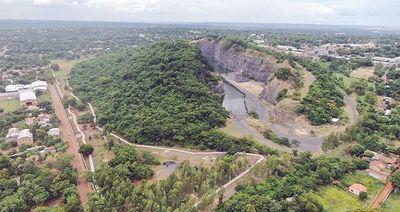 Seccionalero de Ñemby ofrece terrenos para asentamiento en el Cerro a cambio de votos